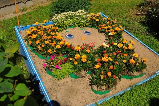 Цветники в детском саду своими руками фото